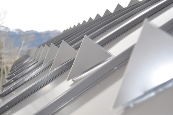 disadvantages of metal roofs